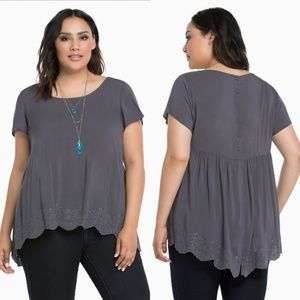 Torrid Gray Embroidered Split Back Top Sz 4 4x 26